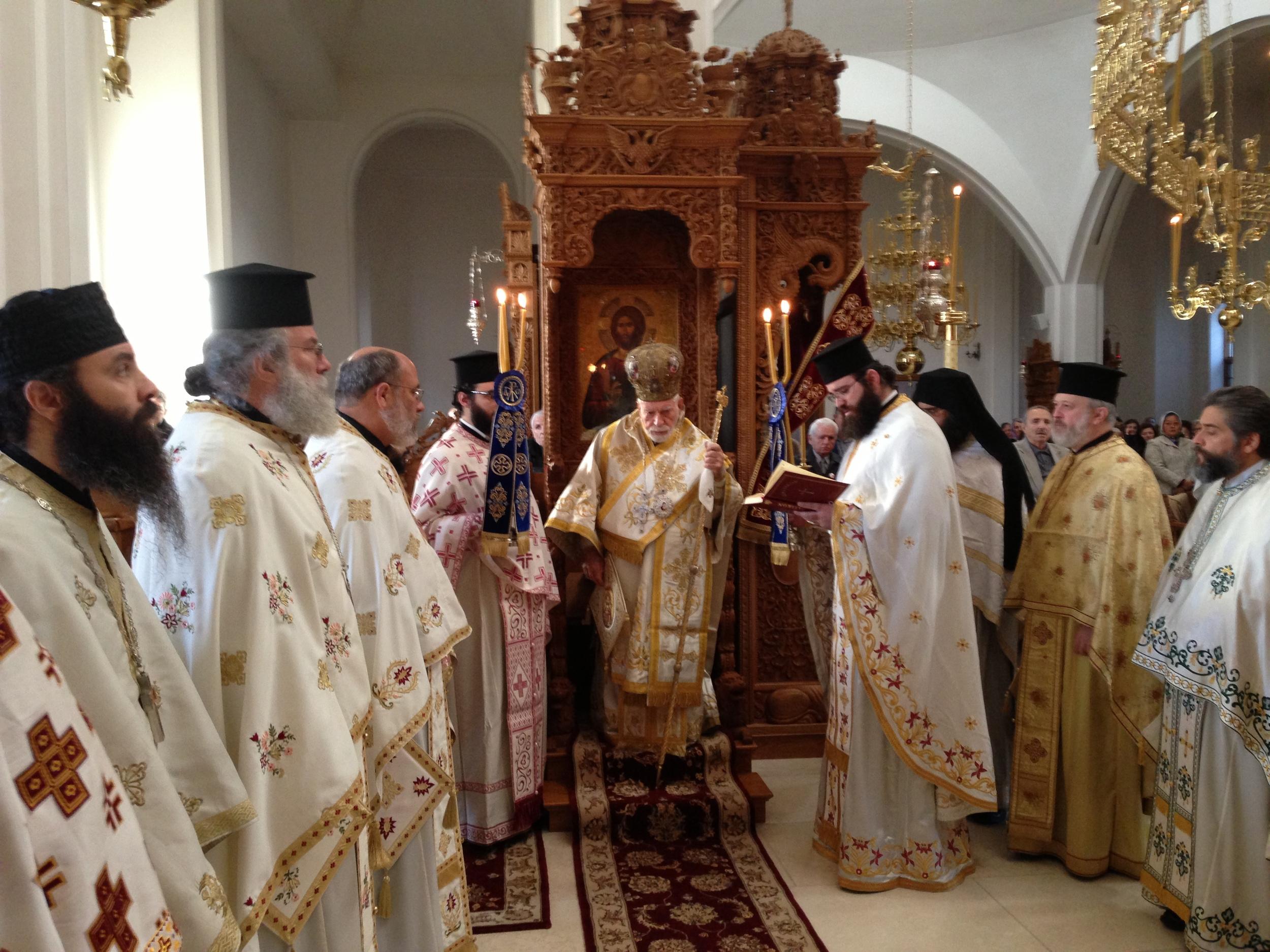 Metropolitan at the Throne 2    11-13-13.JPG