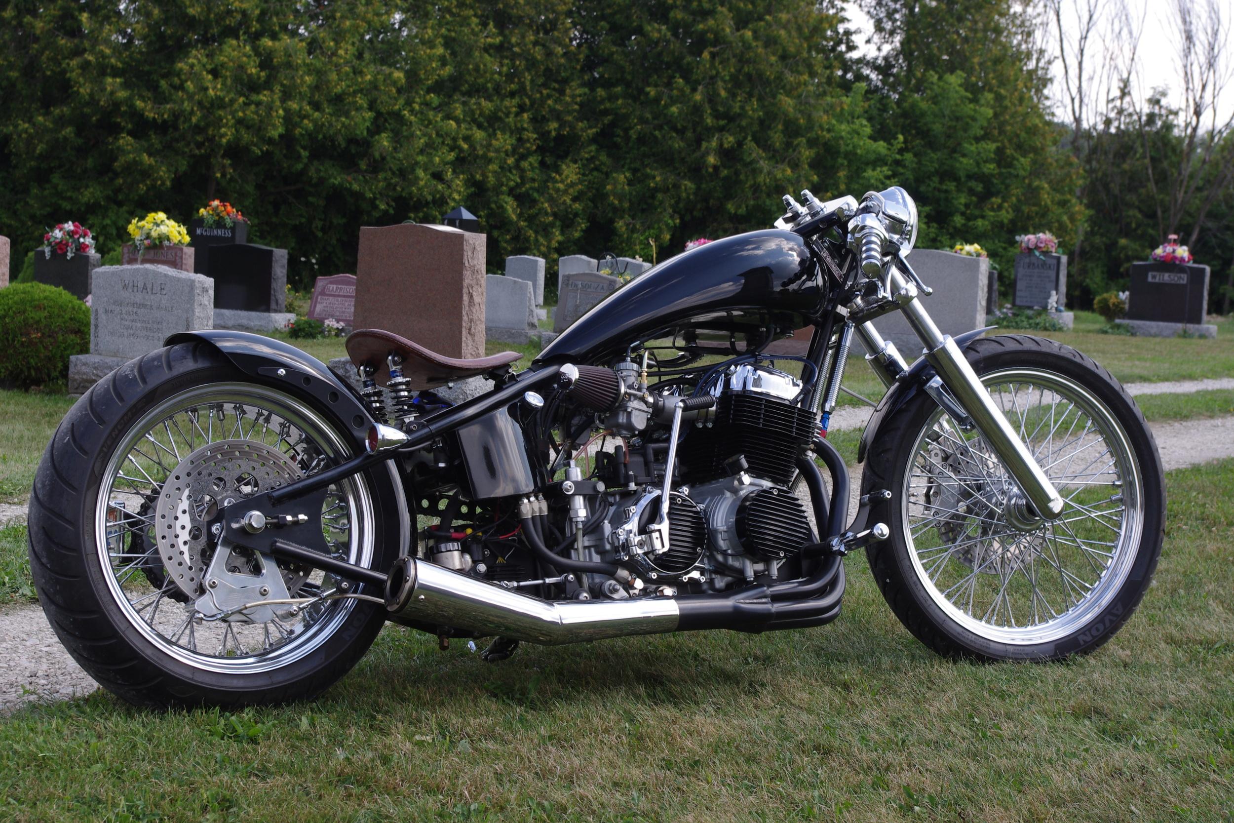 Deviant - A 1975 CB750F Hardtailed Ripper