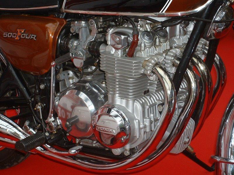 500-4 Engine.JPG