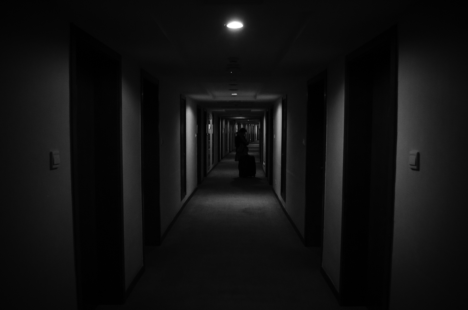 The terrifyingly long corridors didn't seem to have too many lights turned on. Surely an example of eco-friendly energy saving measure in China. I guess that's what you get for $40 for a night.