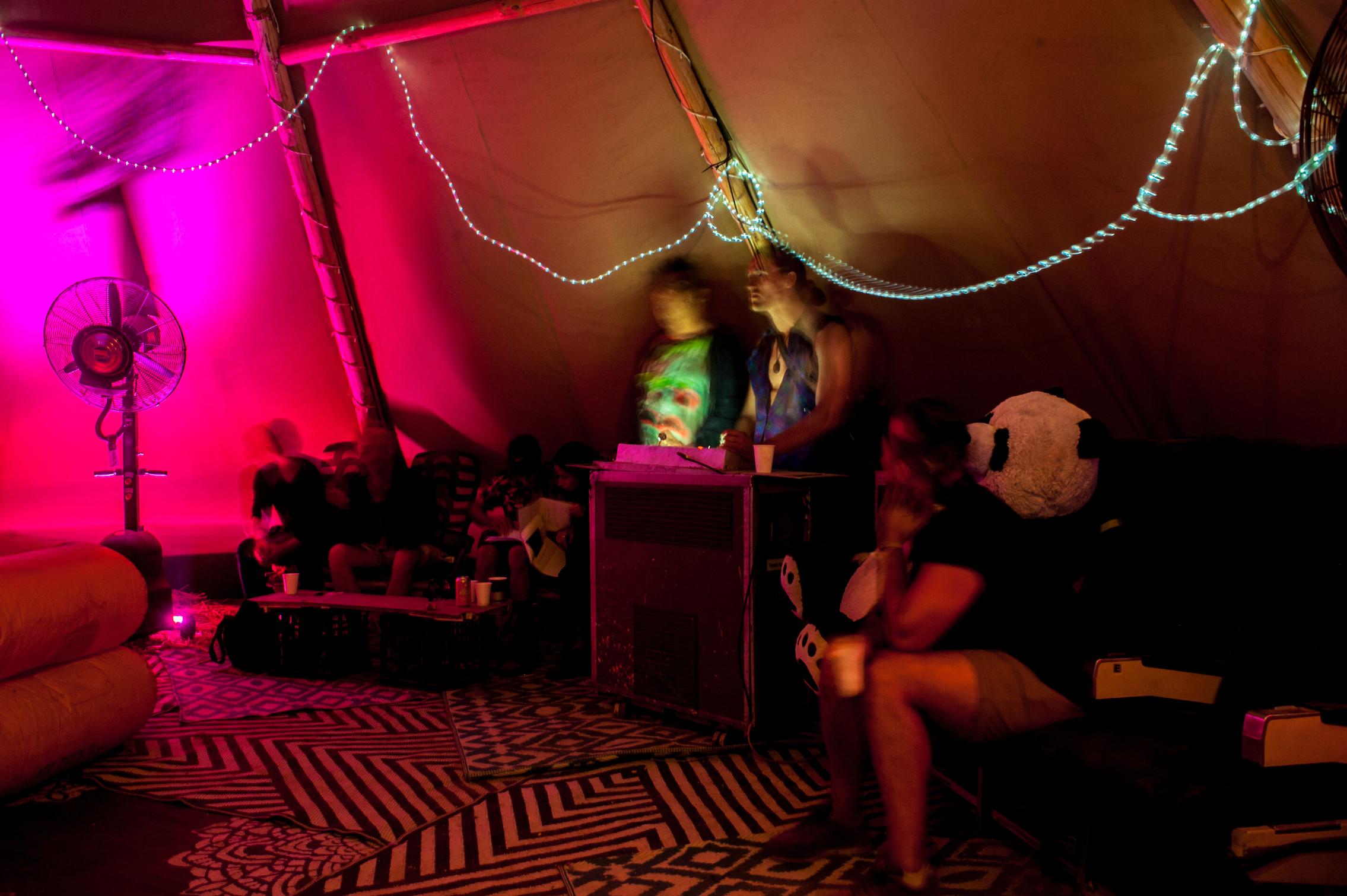 backstage bar trolleyd.jpg