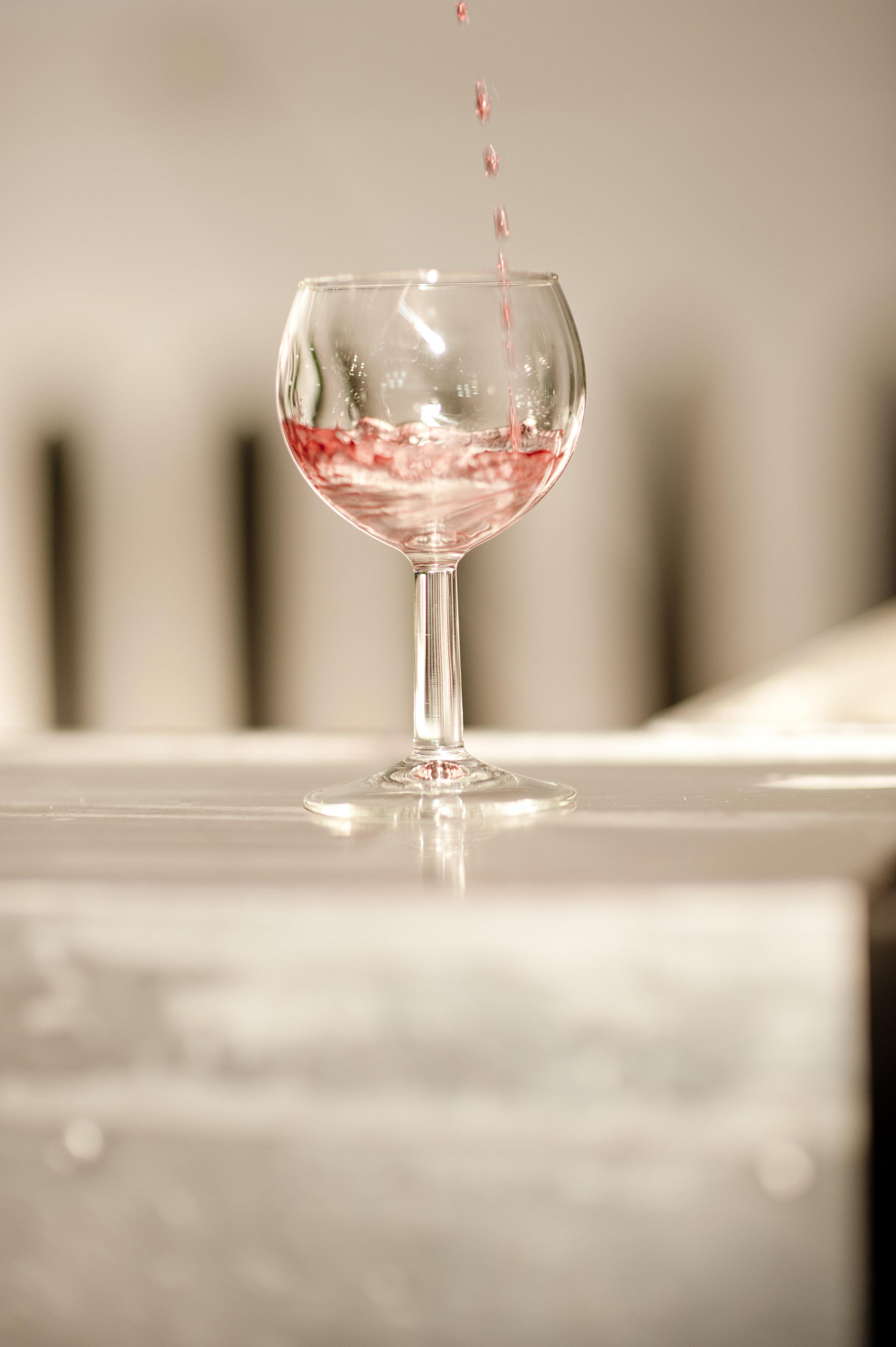 Mobile bar hire wine glass.jpg