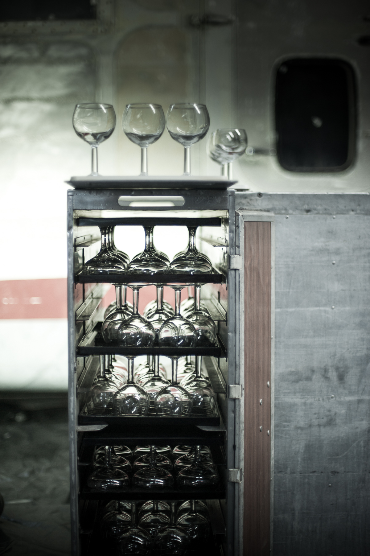 mobile bar hire sydney wine glass hire.jpg