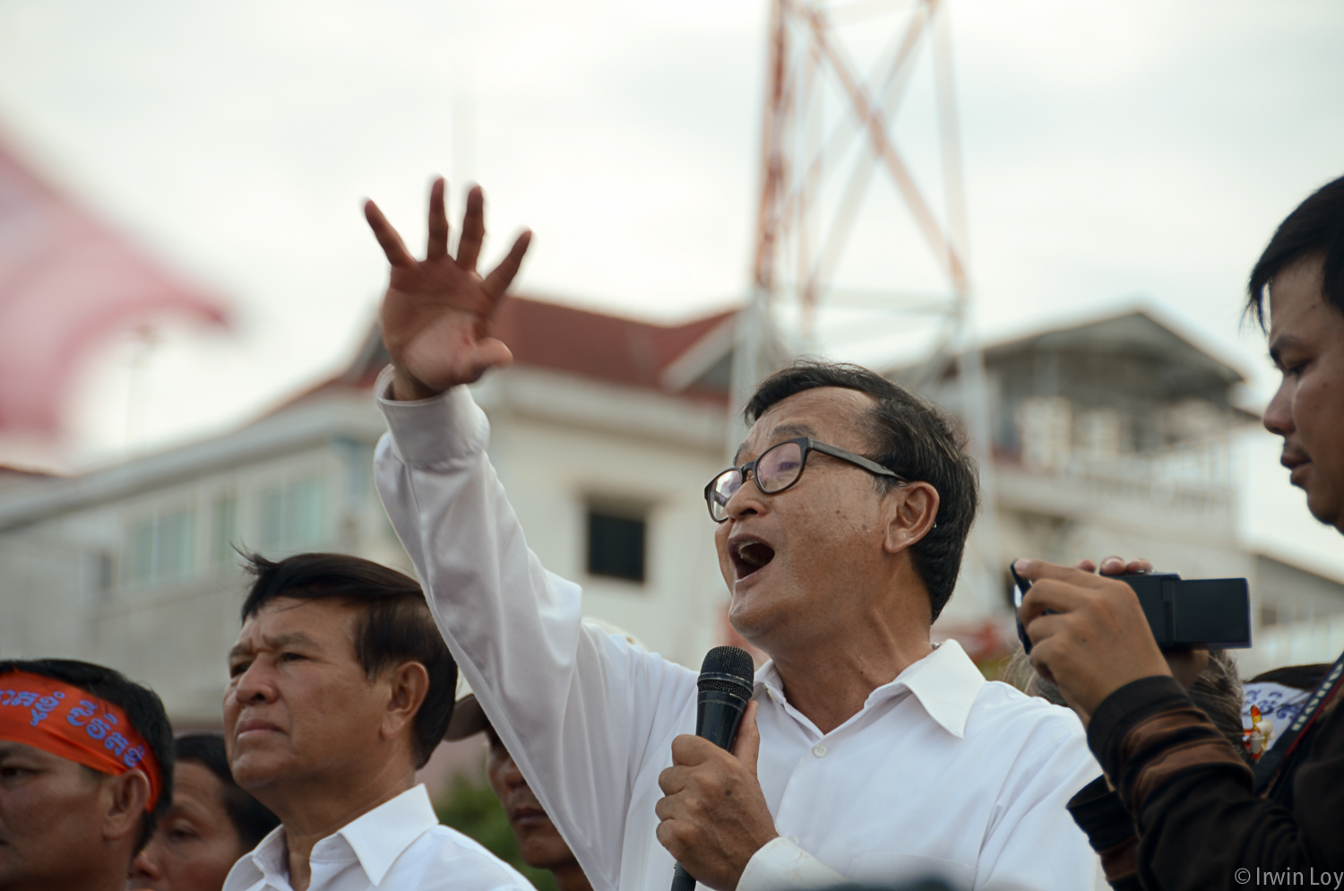 Sam Rainsy address the crowd during an opposition protest September 16, 2013.