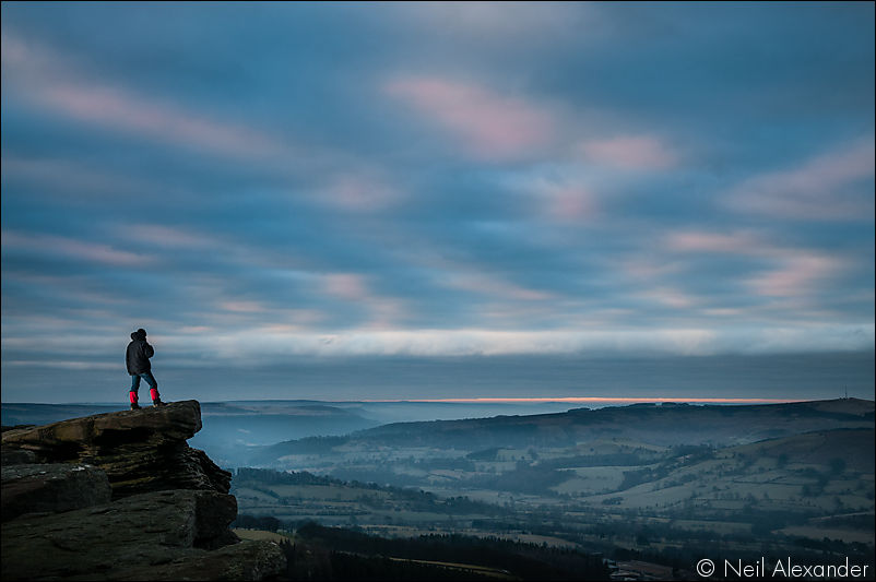 Bamford edge, High Peaks at dawn