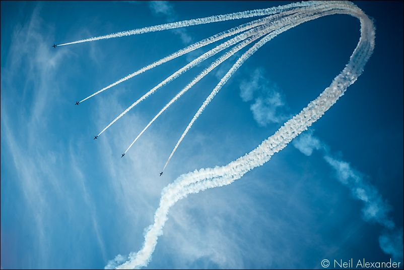 The Red Arrows above Chatsworth Estate Neil_Alexander 05.jpg