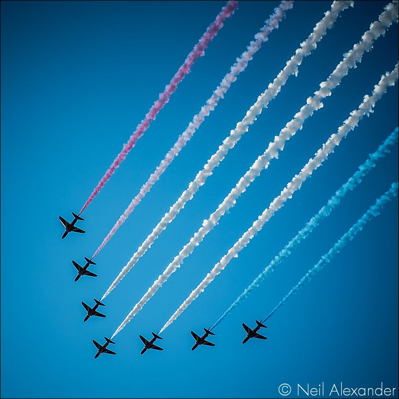 The Red Arrows above Chatsworth Estate Neil_Alexander 02.jpg