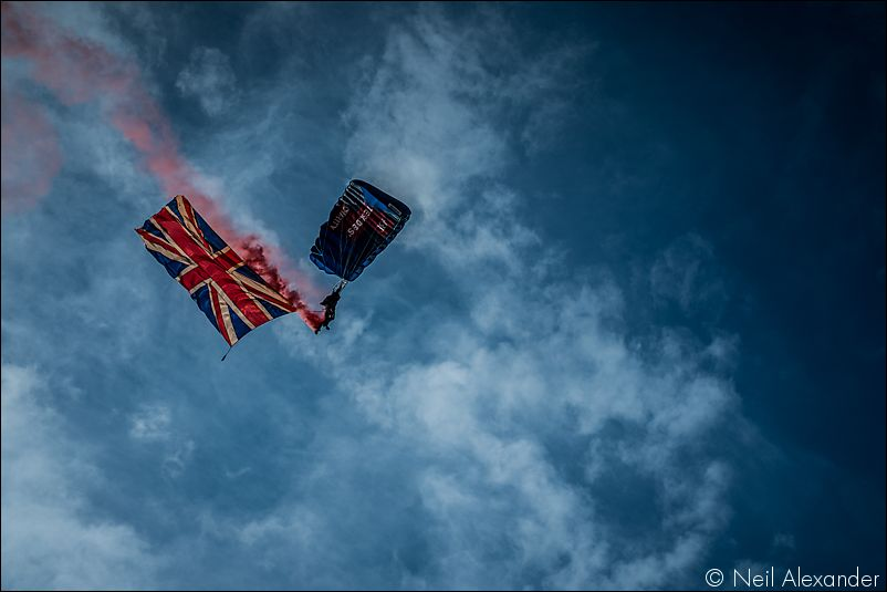 The Red Arrows above Chatsworth Estate Neil_Alexander 01.jpg