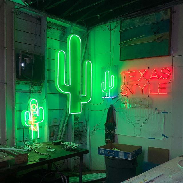 Check out @taylerdrattlo 's pseudo-Texas. Any ideas of what should be added next to the great corner of Texas? . . #theneoncompany#neon#pseudotexas#texas#ga#texasingeorgia#welightatlanta#texaslightsthecorner