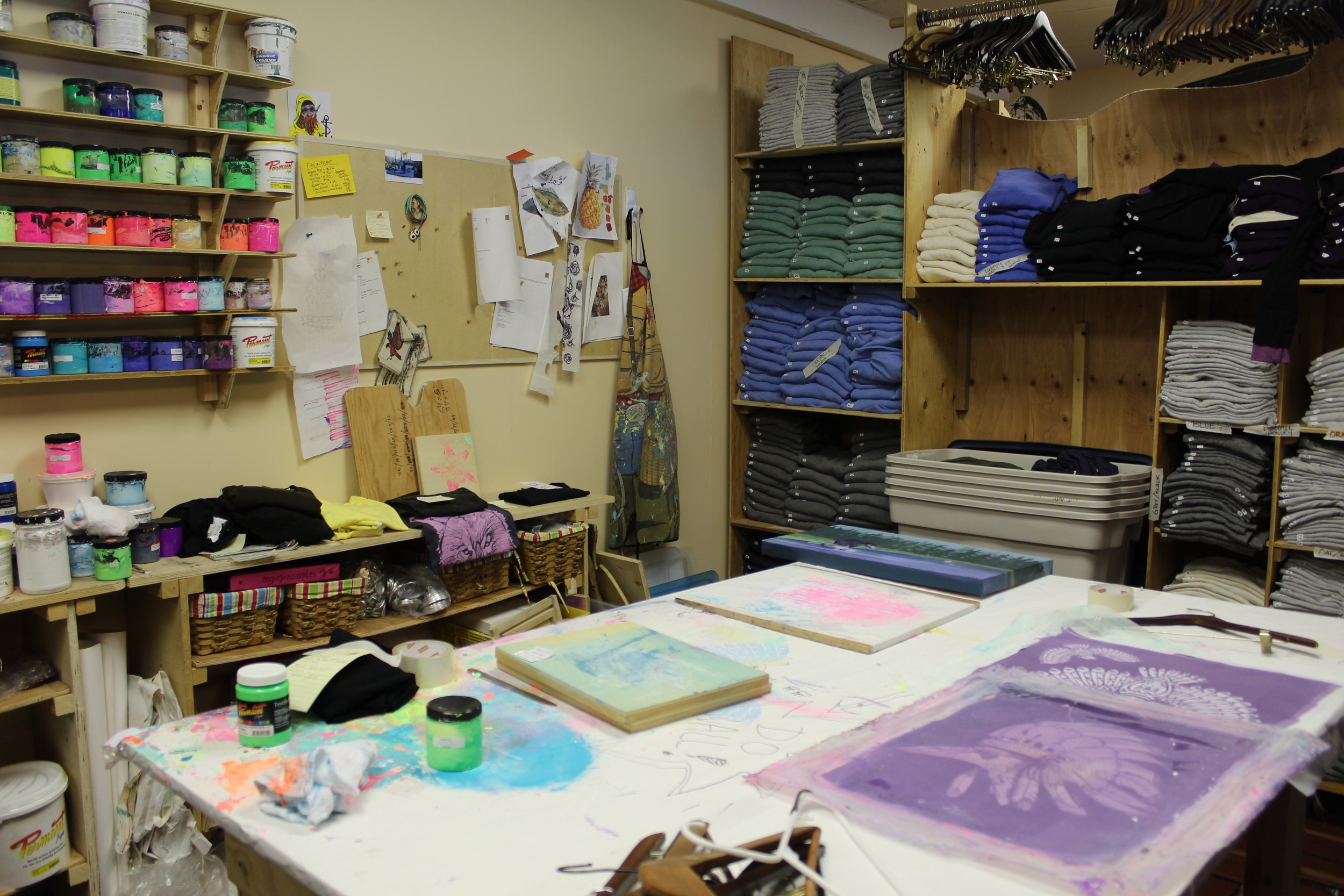 Pinas print table. I love screen printing. Reminded me of the fantastic education I was given at CCAD.