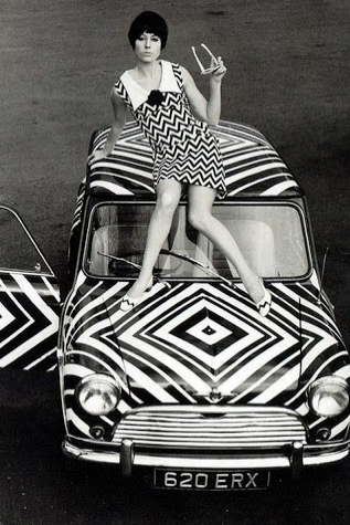 1960's geo black and white mini