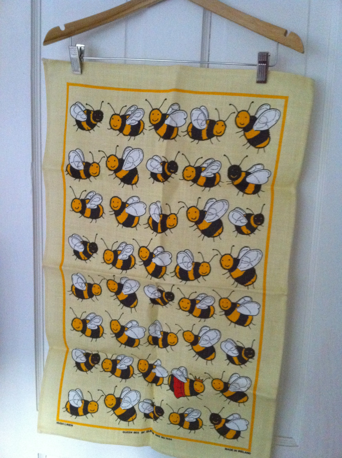 Bee print tea towel how did you make your way into my very sophisticated post??? Ha ha super sweet