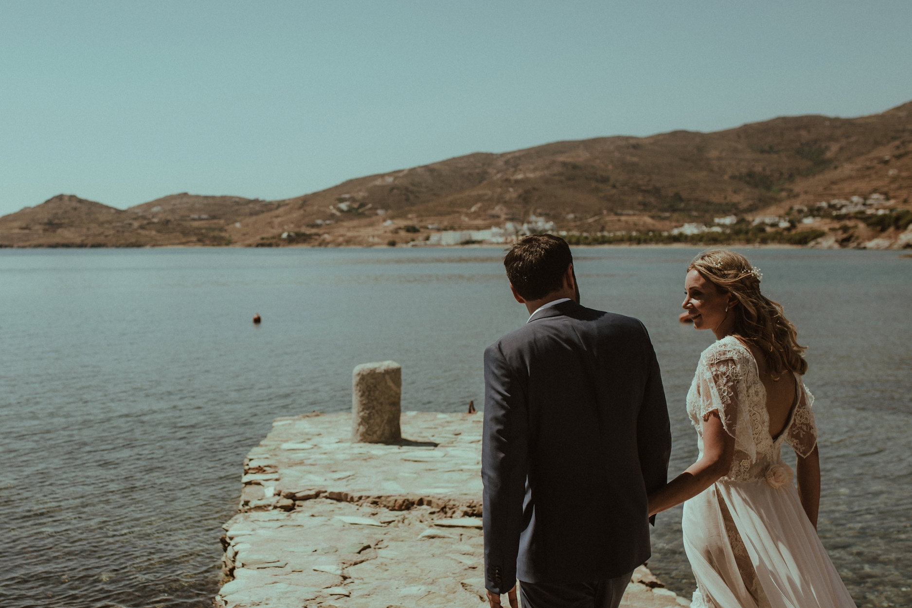 CHIC & STYLISH - Bright gorgeous wedding in Tinos