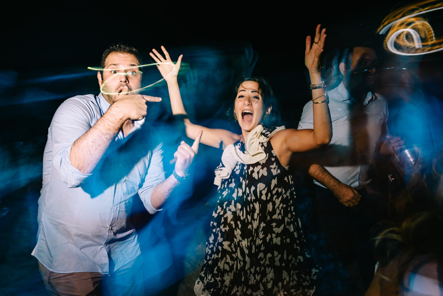 WEDDING DJ IN ACTION! - VIDEO ΚΑΙ ON-CAMERA REVIEWS ΓΙΑ ΕΞΑΙΡΕΤΙΚΟ DJ ΓΑΜΗΛΙΩΝ ΠΑΡΤΥ