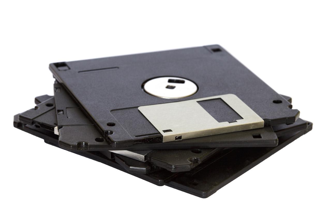 pile-of-floppy-disks.jpg