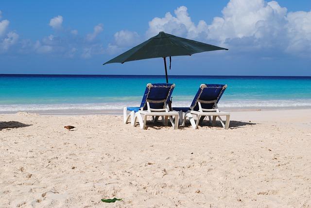 beach-84655_640.jpg