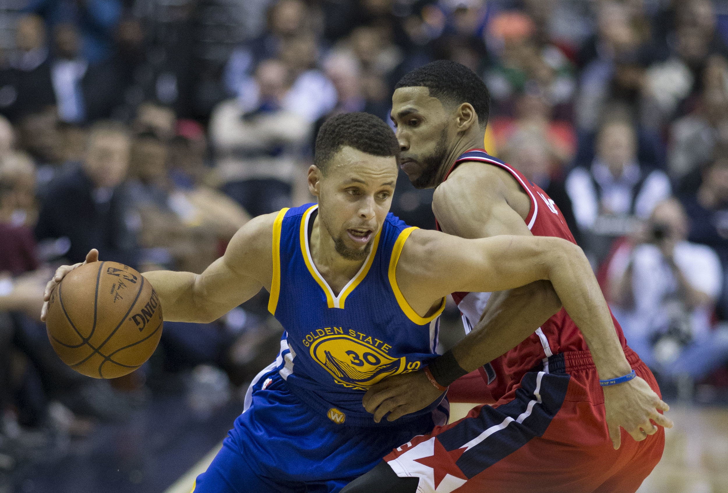Future MBAs? Steph Curry and Draymond Green has the type of leadership that top business schools want to see in their applicants.