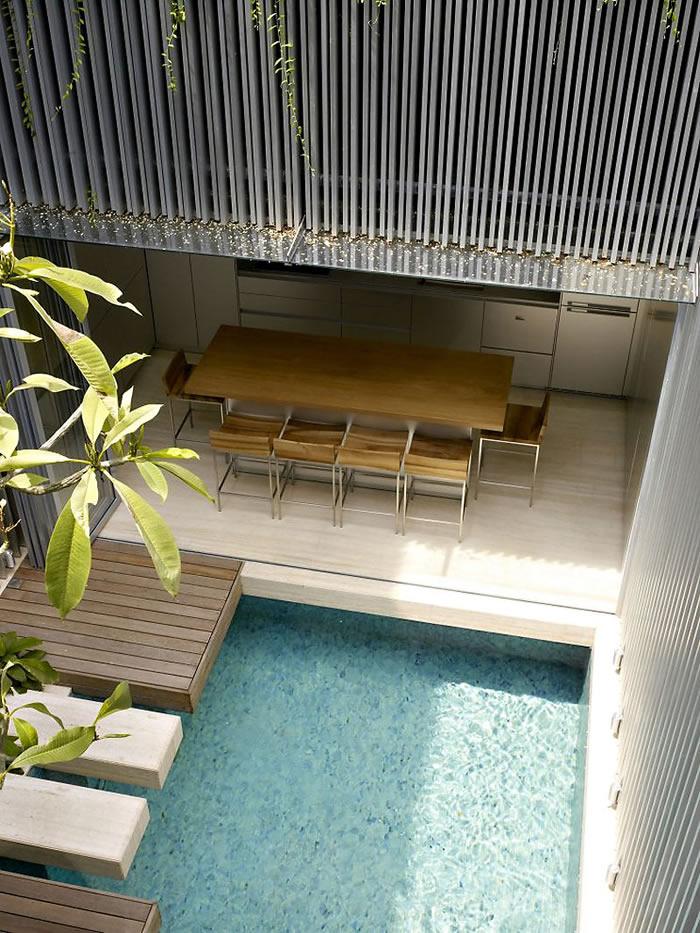 567b0-ultra-chic-singapore-residence-with-courtyard-mosaic-pool-3.jpg