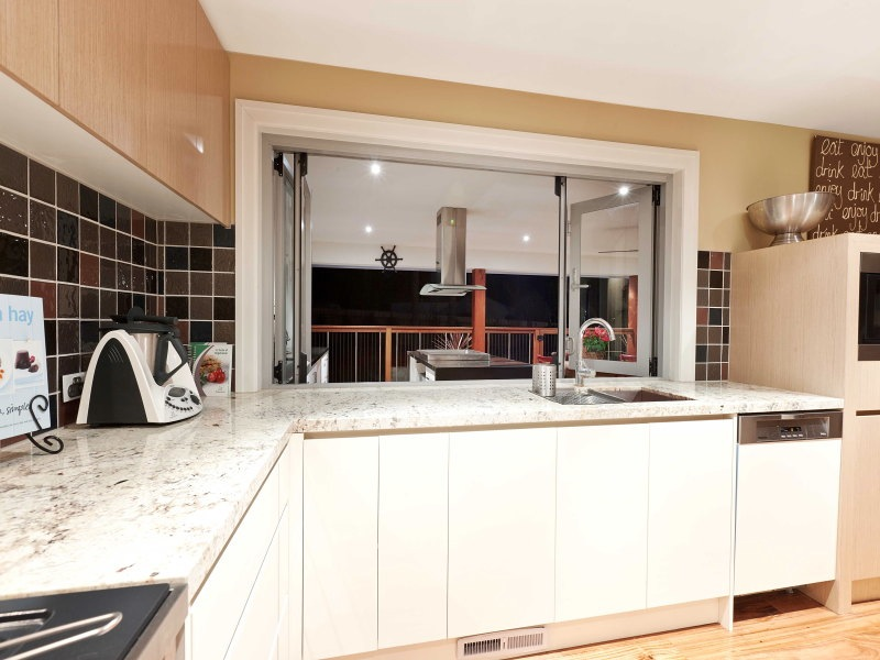 23+interior+design+melbourne+blue+fruit+granite+benchtop.jpg