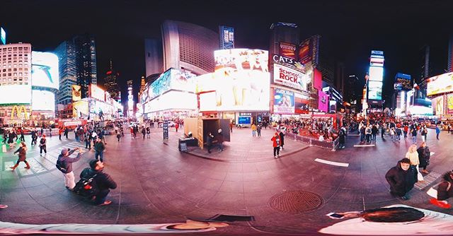 Taking a look around @timessquarenyc tonight as we say goodbye to #TSqPortal. Thank you to everyone who came, connected and shared their stories. In our final week, contemplating gratitude, we are grateful for you. Thank you @tsqarts for welcoming us to the Crossroads of the World! #sharedportals ✌🏽🔶