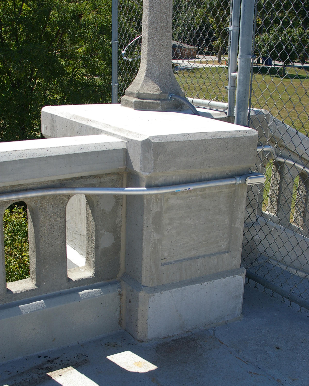 Light pedestal - after