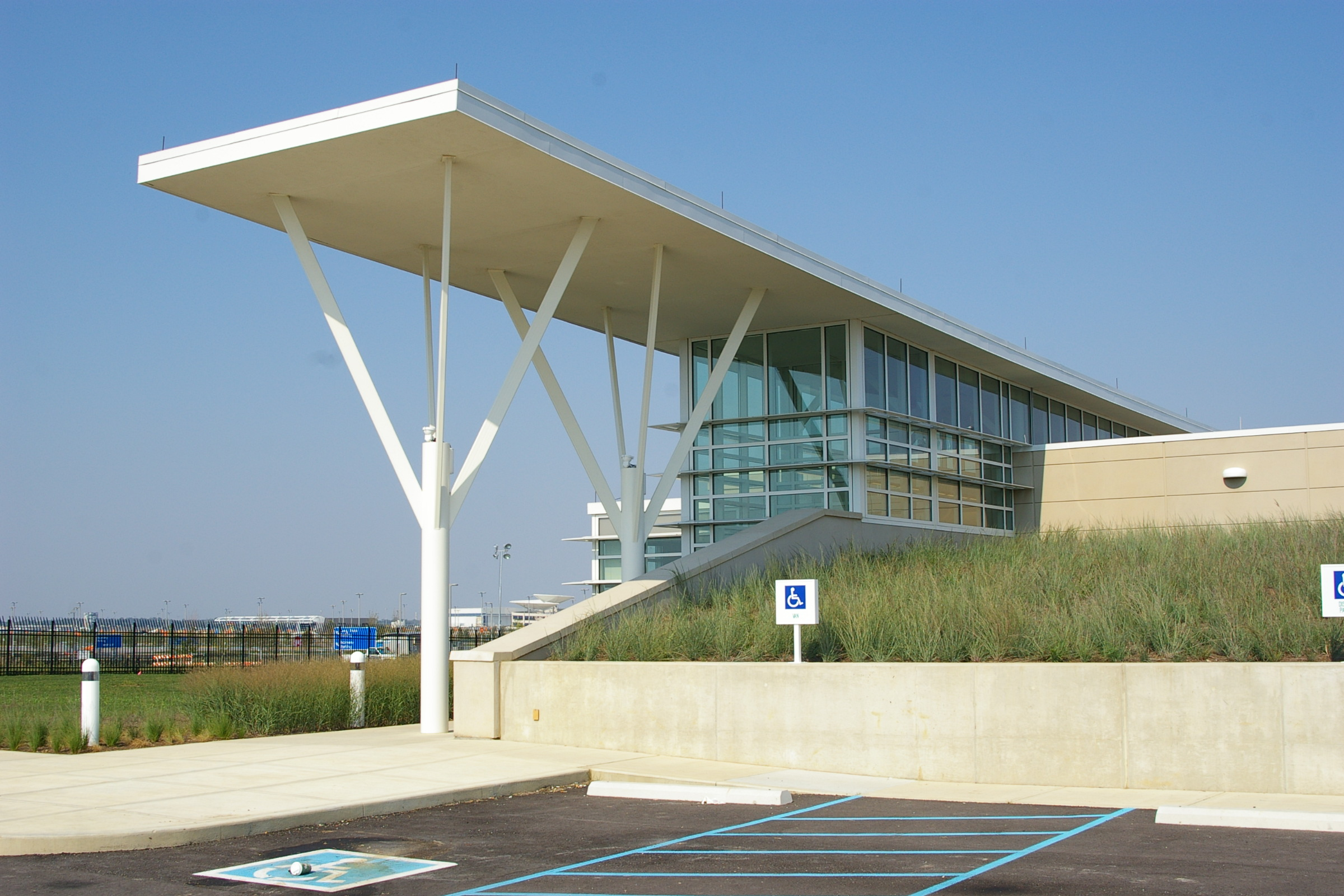 Indianapolis international airport aoc/eoc