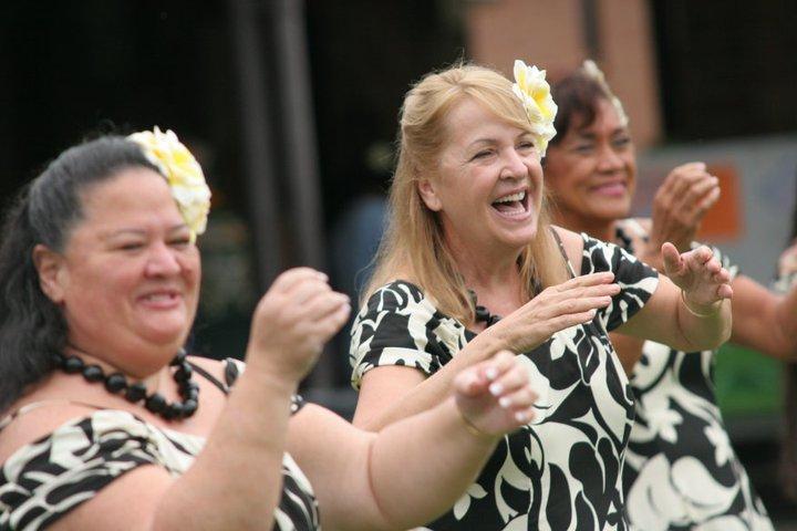 hula2.jpg