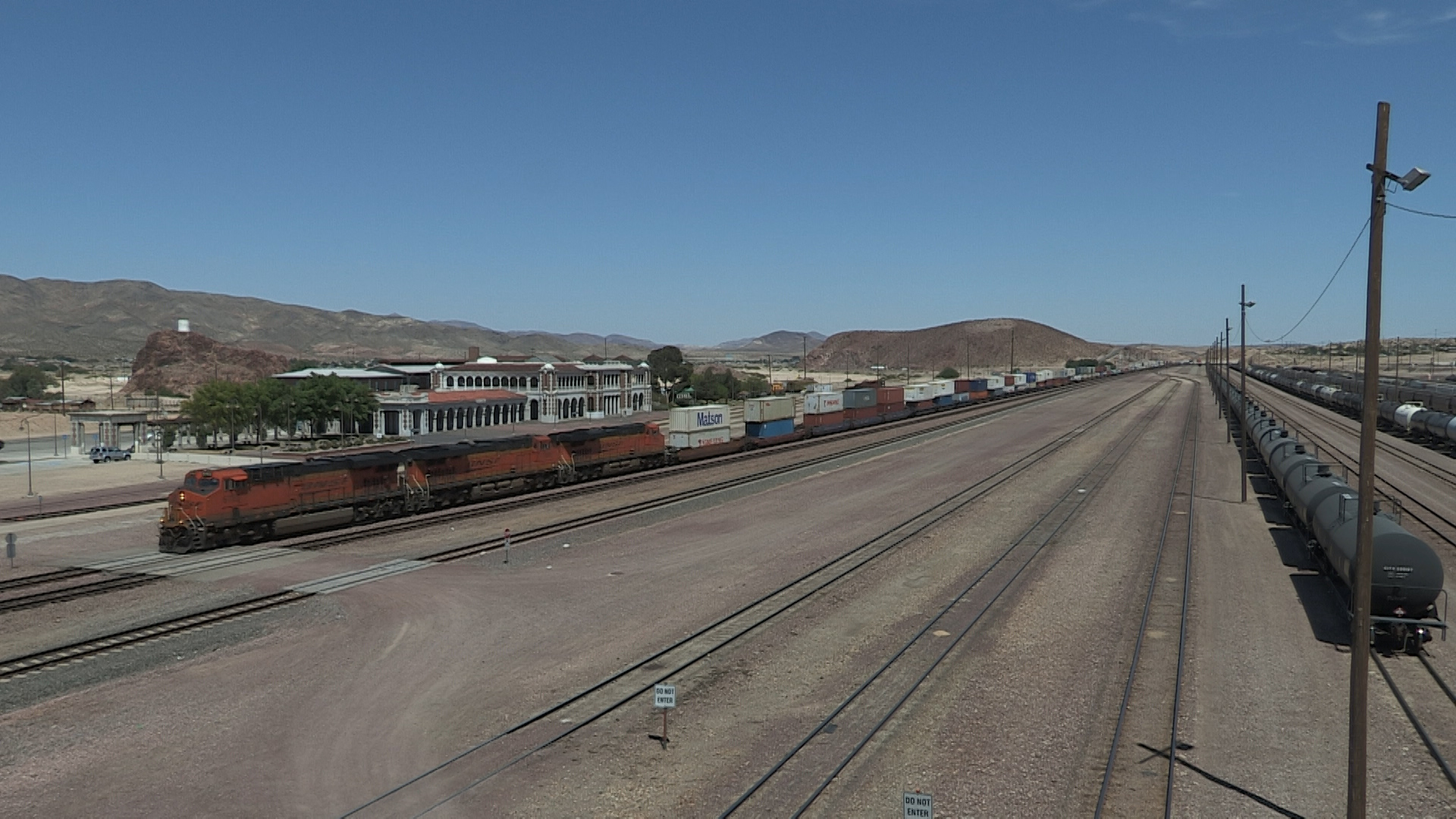 08-Barstow wide BNSF Intermodal.jpg