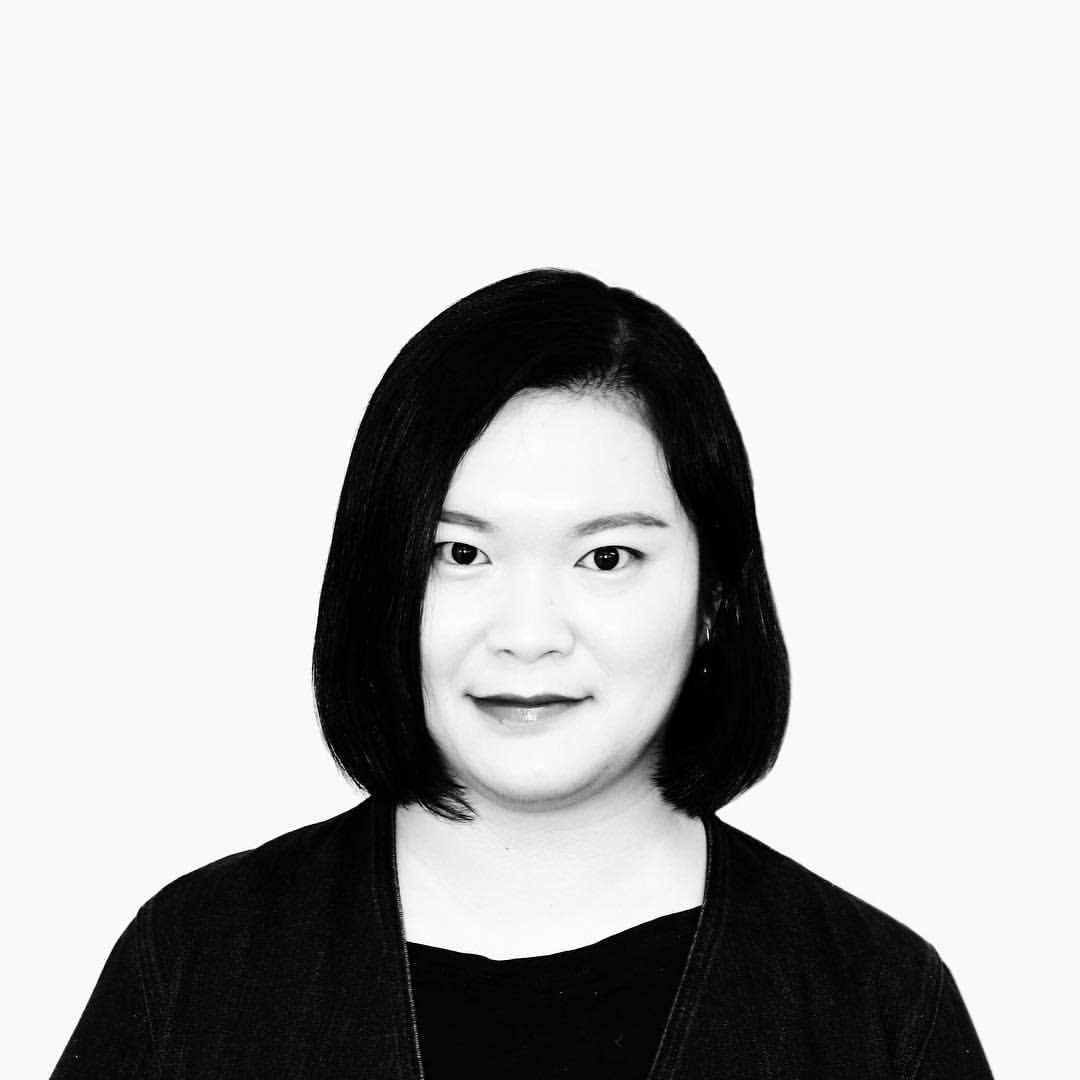 Lisk Feng is an award-winning illustrator who is initially from China, and now a New York-based freelance illustrator. She graduated from MFA Illustration Practice from Maryland Institute College of Art in 2014, with a lot of publications and advertisings projects seen by the world, such as The New Yorker, Apple, Penguin, Airbnb, The New York Times, Chanel, etc. Meanwhile, her illustrations received some awards and recognitions such as Silver Medal from the Society of Illustrators, Communication Arts Excellence Award, 3X3 Silver Medal, American Illustration winner, etc. She also published several children`s books with Flying Eye Books, Abrams and Kids Can Press. She was awarded one of the Art Directors Club 15 young gun artists among all artists from all fields worldwide in 2017.
