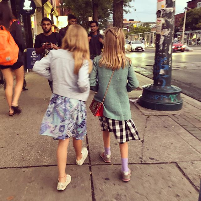 After school hangouts with her bestie #chinatown #motherdumplings #elmocambo #citykids