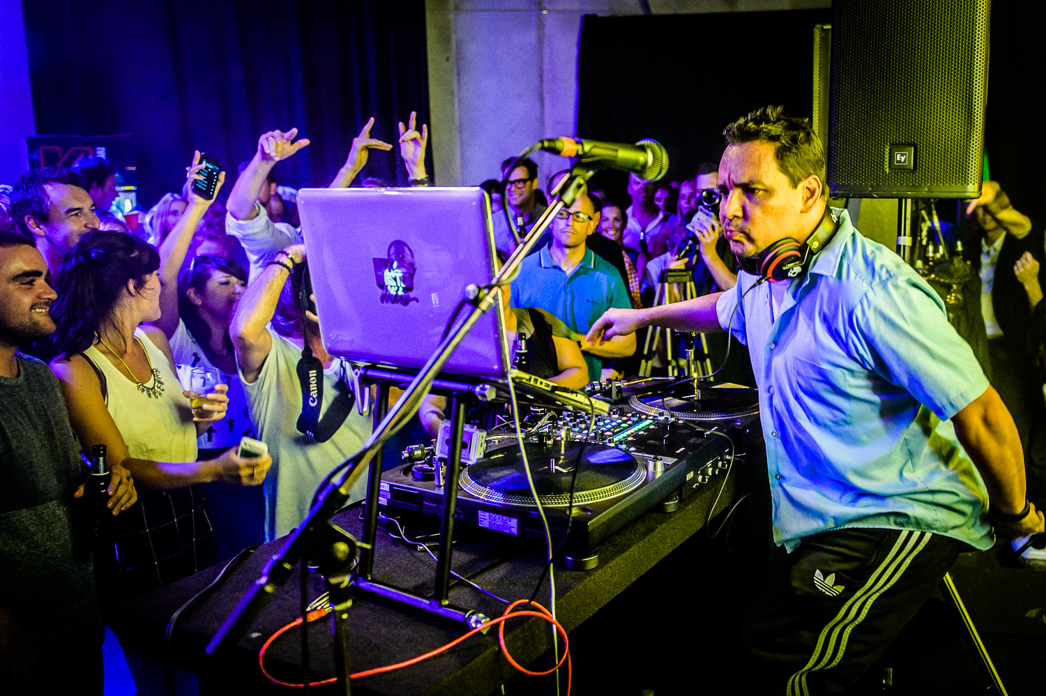 Mix Master Mike Live-11.jpg