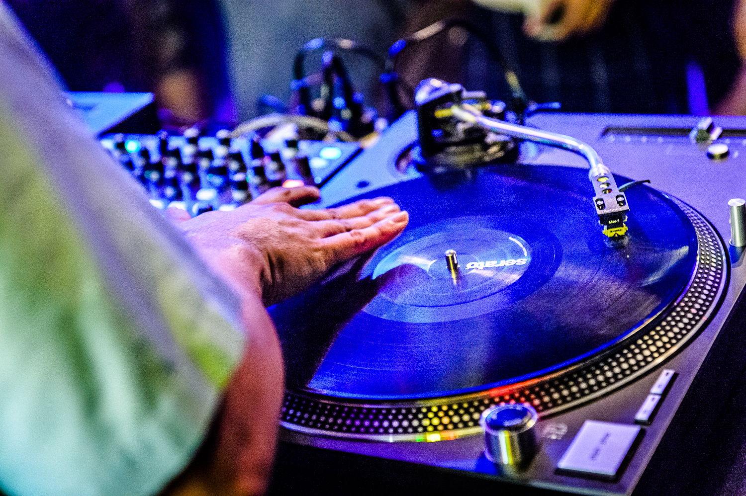 Mix Master Mike Live-18.jpg