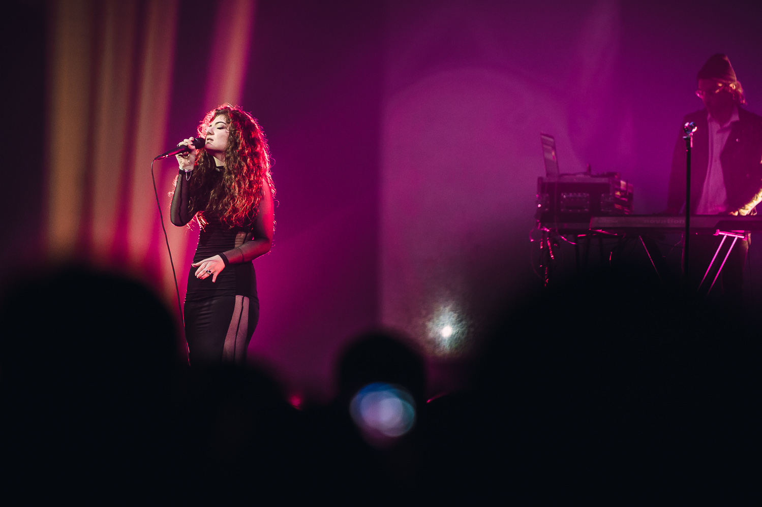 Lorde iHeart Radio_013_photo_©2013 Steve Dykes.jpg