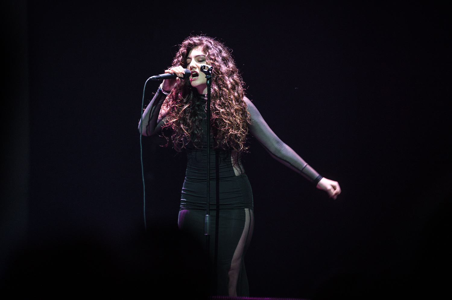 Lorde iHeart Radio_014_photo_©2013 Steve Dykes.jpg
