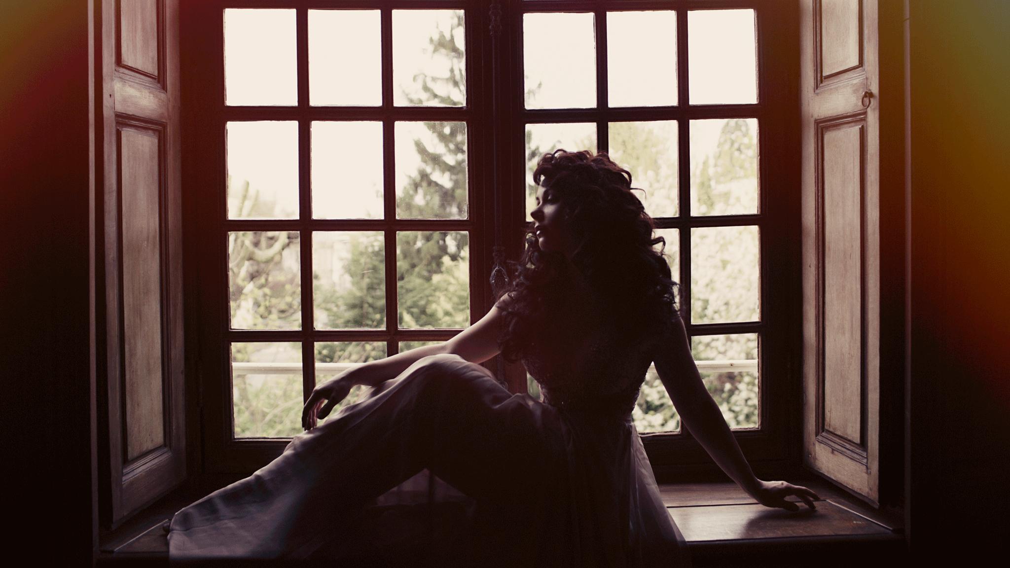 06-Tatiana-Window.png
