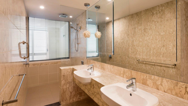 cnssi-bathroom-9638-hor-wide.jpg