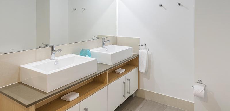Port Douglas Resorts Ensuite Bathroom.jpg