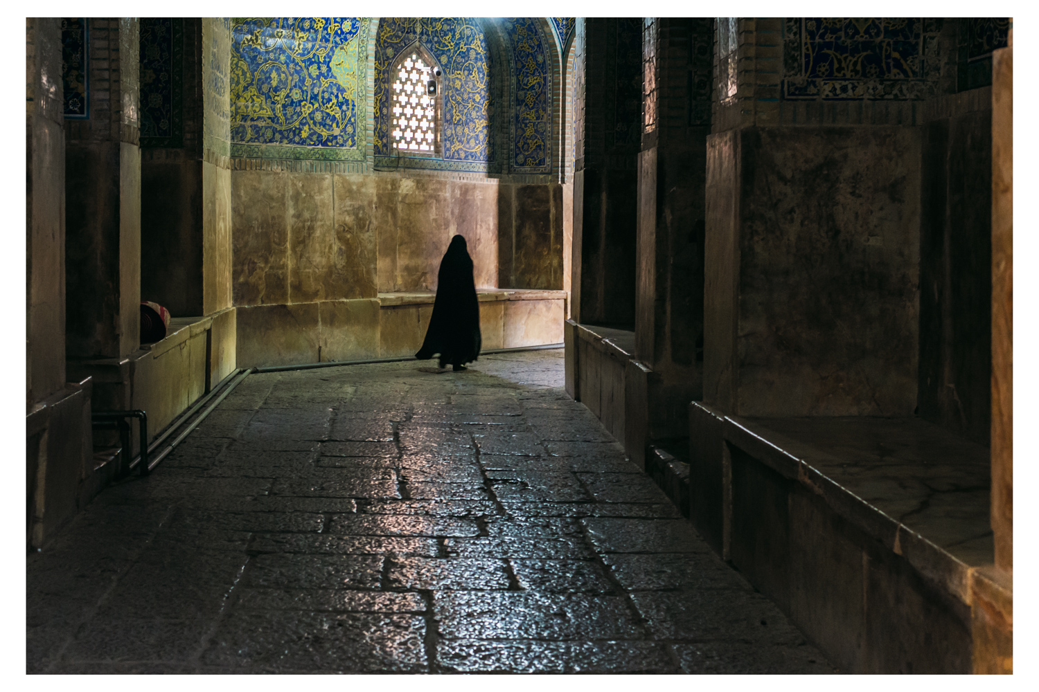 woman-in-mosque.jpg