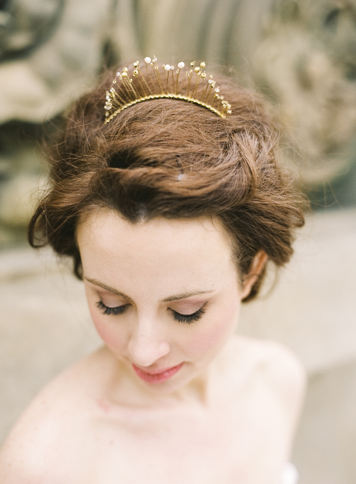 gold crown hushed commotion top.jpg