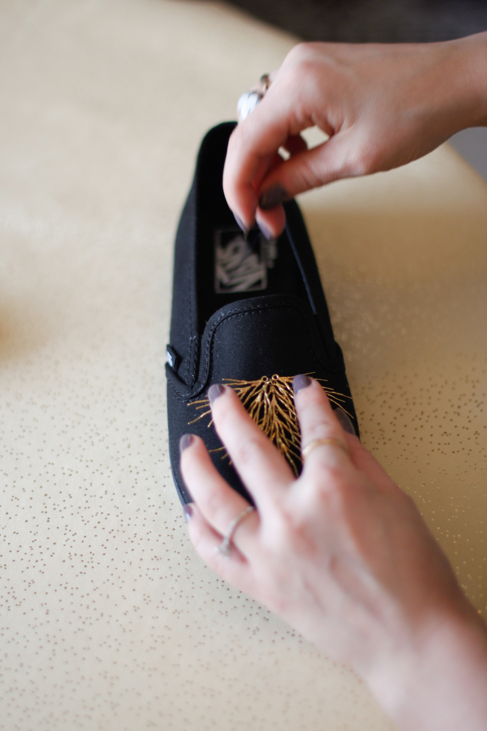 DIY sneakers stabilizing