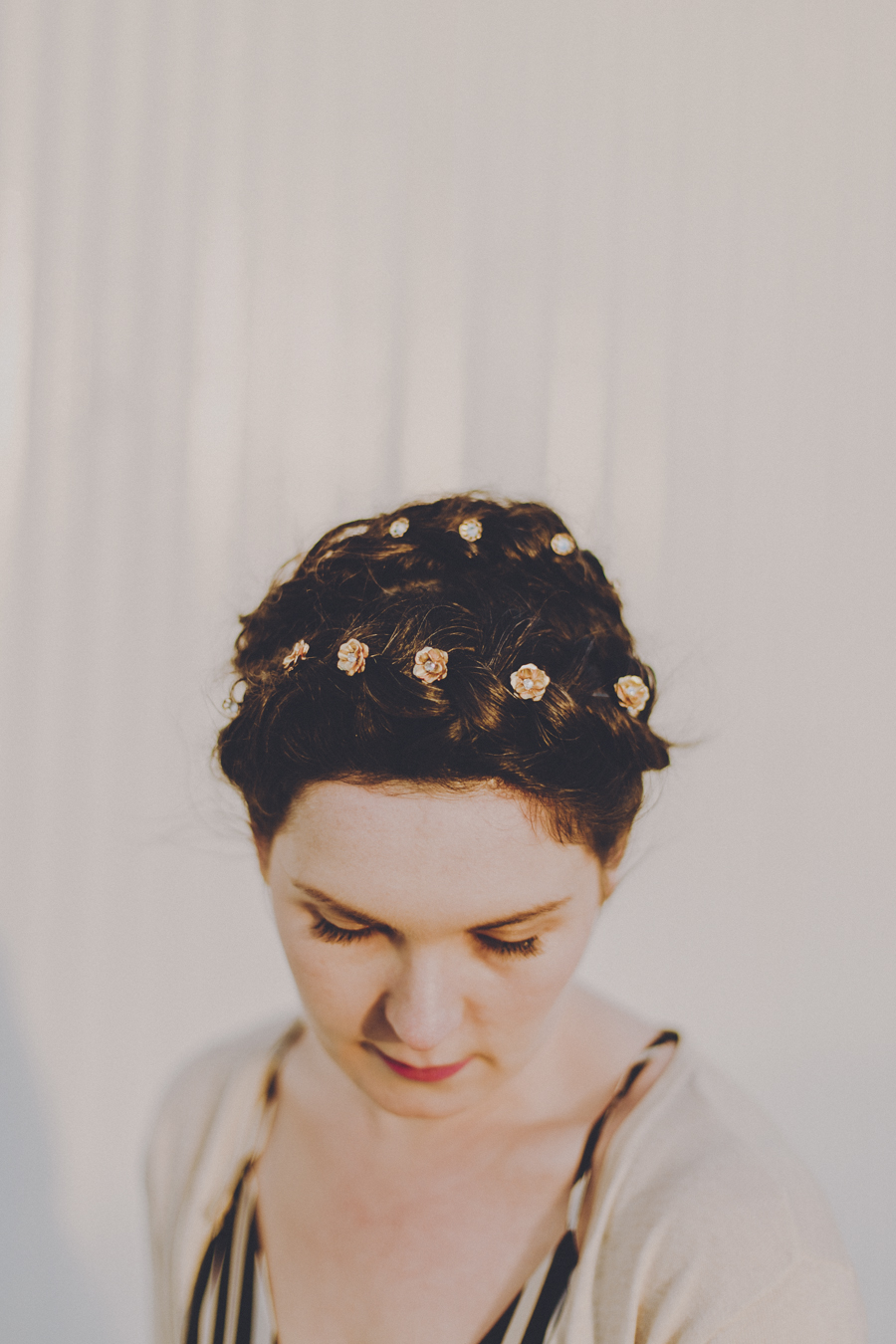 hushed commotion wedding accessory