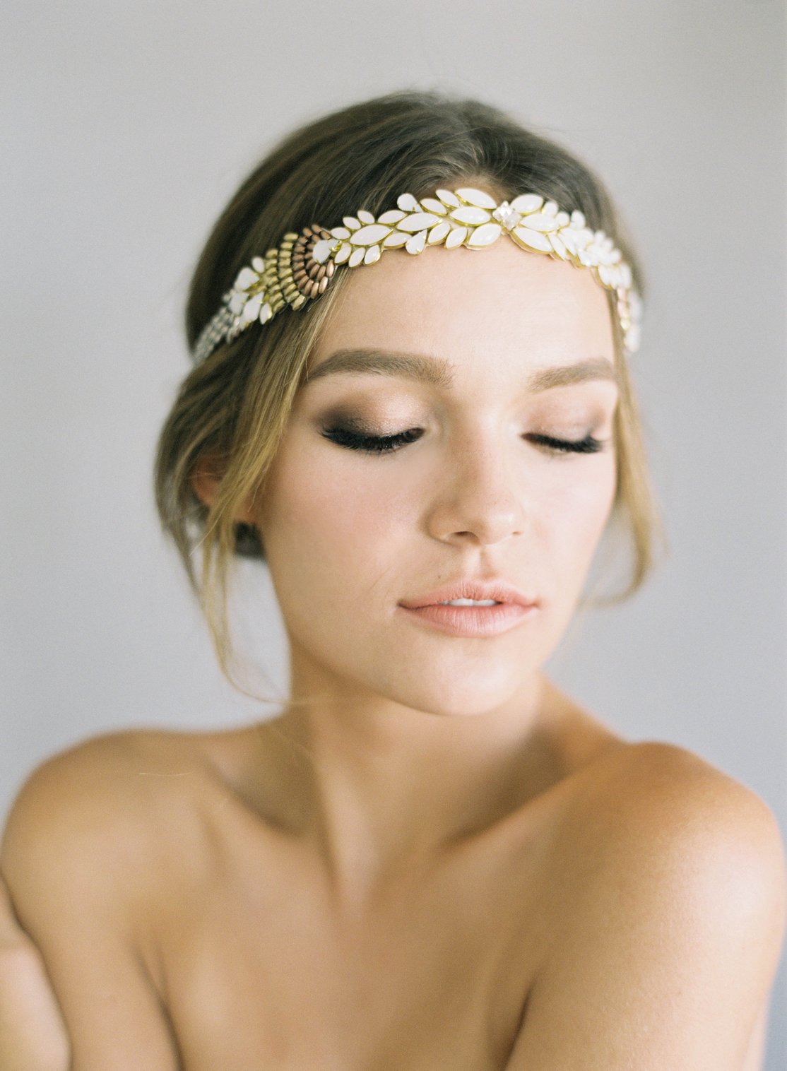 Hushed+Commotion,+Jen+Huang+2017,+Paloma,+headpiece+with+ombre+beading+in+ivory,+gold+and+rose+gold.jpg