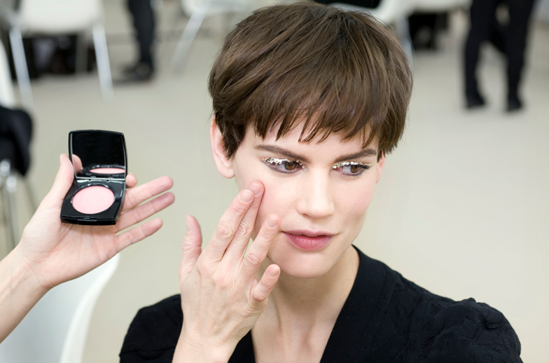 Chanel-Beauty-Look-from-Autumn-Winter-2013-2014-cream-blush.jpg