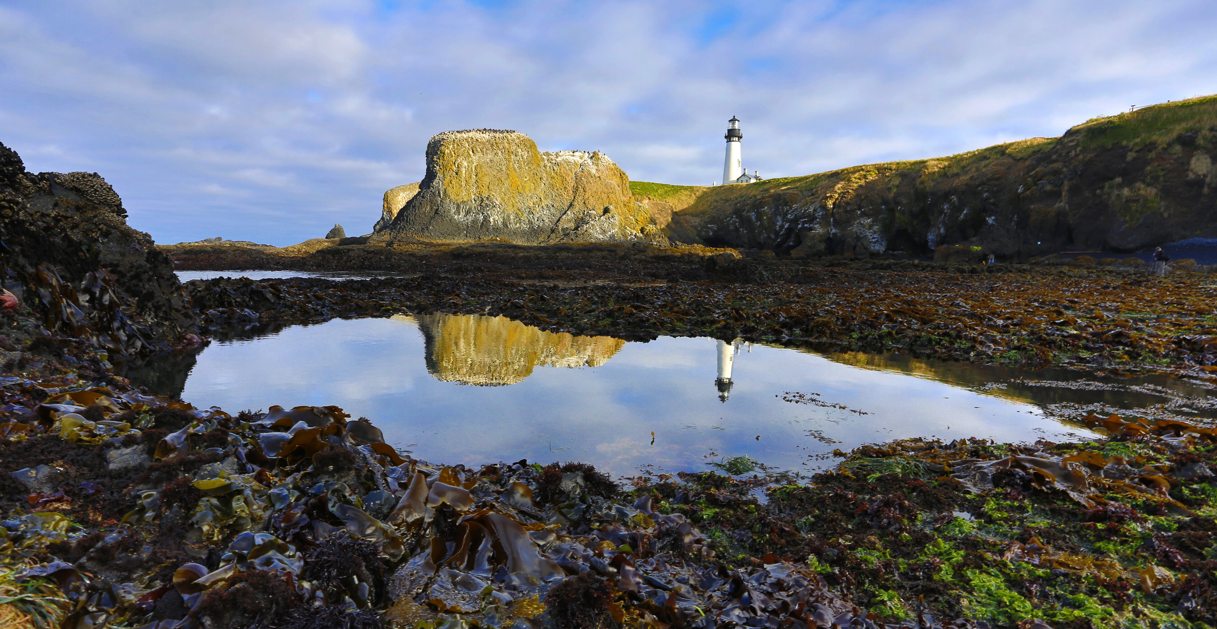 master HDR lighthouse pond.jpg