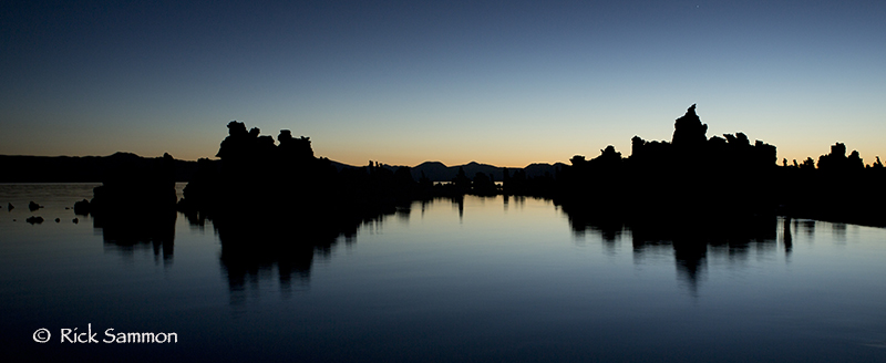 Mono Lake before the crack of dawn .