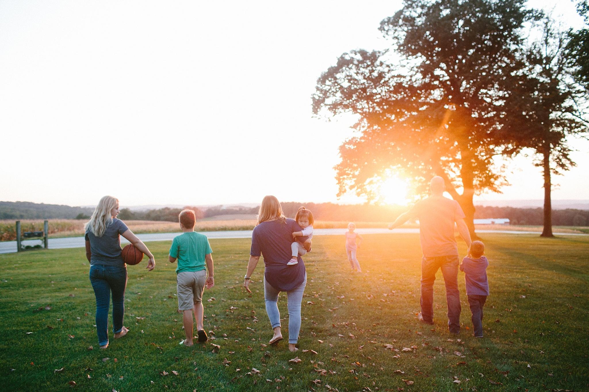 KellyLappPhotography_familyphotojournalism_inhomesession_Lancasterfamilyphotographer_Hostetter_32.JPG
