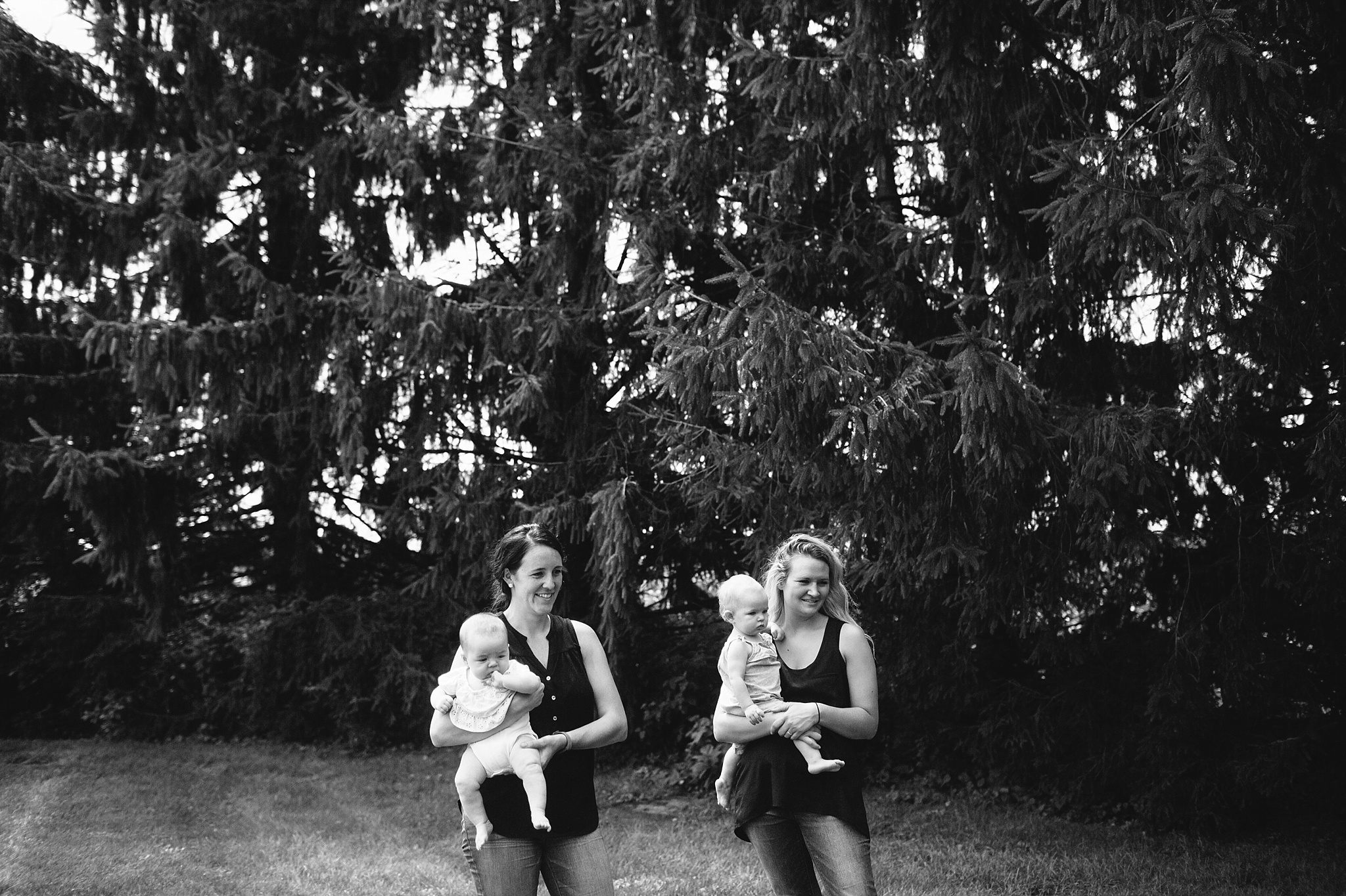 KellyLappPhotography_familyphotojournalism_momplaydate_lancasterfamilyphotographer_18.JPG