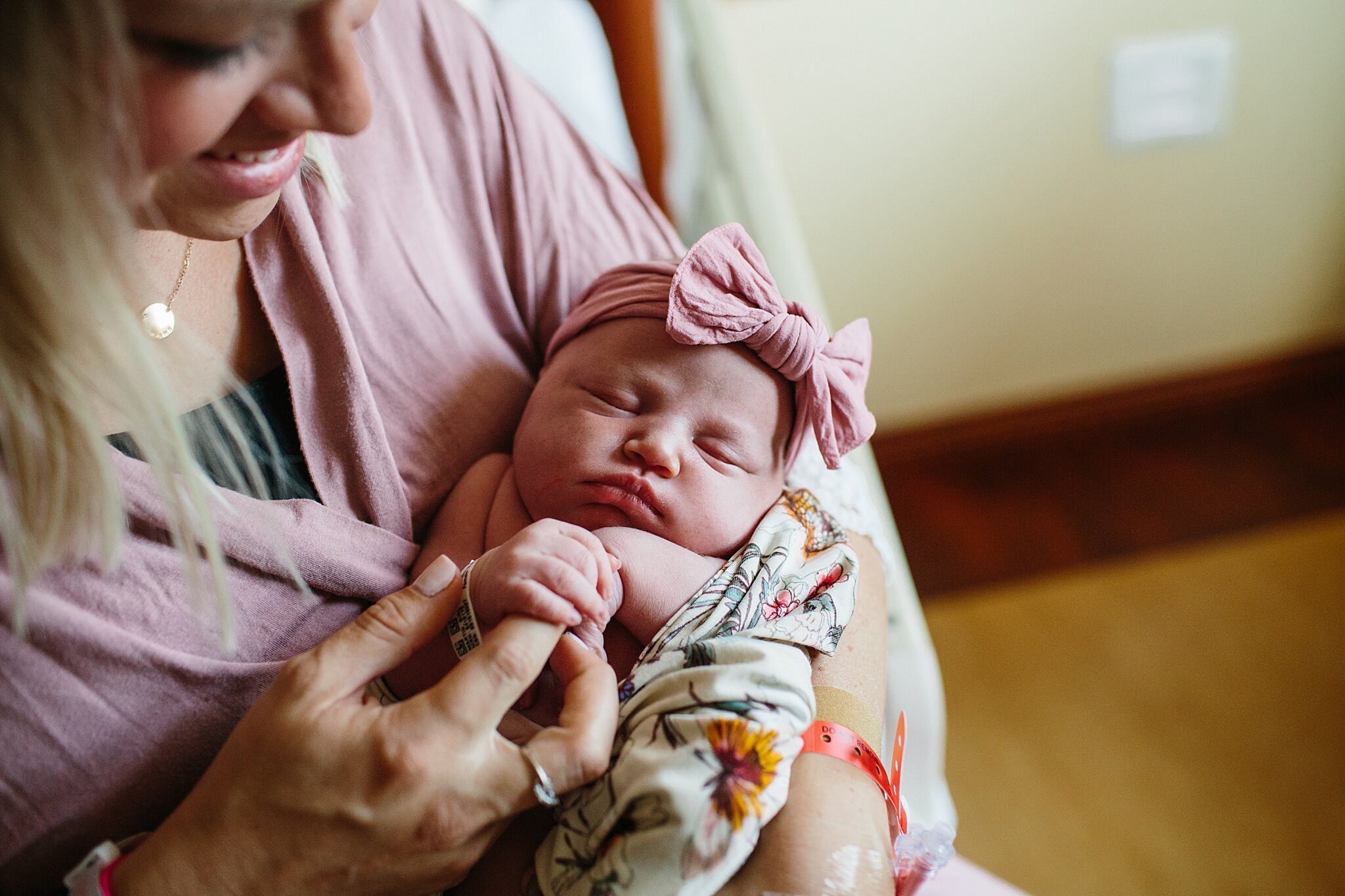 KellyLappPhotography_lancasterpa_newbornphotographer_fresh48session_22.JPG