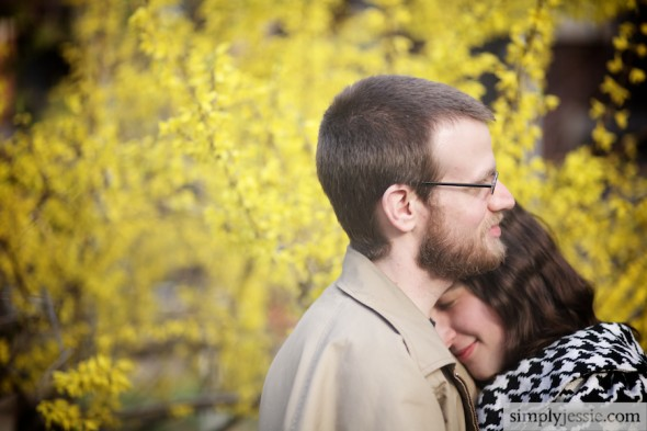 Outdoor Chicago Spring Engagement