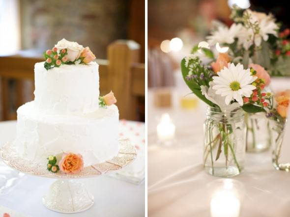 ClassicWhiteCakewithcoralaccents
